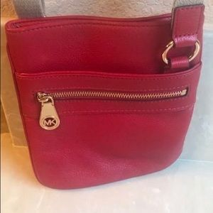 AUTHENTIC MICHAEL KORS SMALL RED LEATHER CROSSBODY